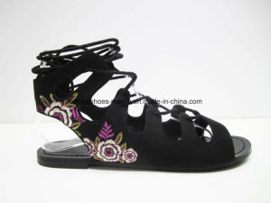 New Arrival Lady Sexy Women Flat Heel Sandal Lady Shoes with Embroidery Flower