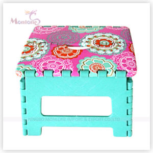 25*20*20.5cm Sturdy Plastic Foldable Stool with Sublimation Printing pictures & photos