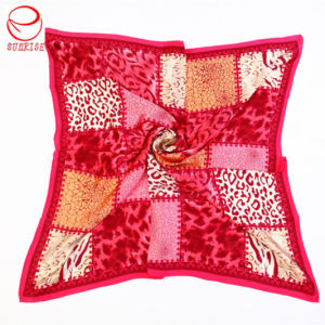Printed Silk Scarf Factory with High Quality