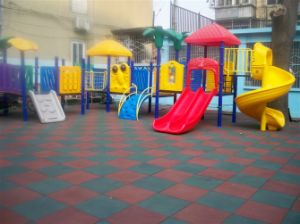 Amusement Park Rubber Flooring pictures & photos