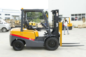 3ton Loading Capacity Diesel Forklift with CE