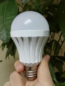 E27/B22 Emergency Light 7W LED Rechargeable Bulb with CE RoHS