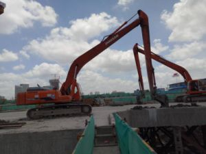 Used Excavator Doosan Dh300LC-7 pictures & photos