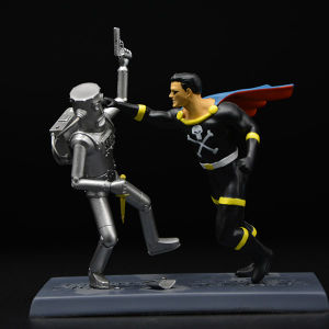 Customized Super Hero Figurines with High Quality pictures & photos