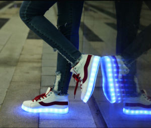 Flash LED Flat Shoes for Party/Nightclub/Festival/Evening Riding pictures & photos