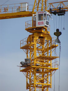 4t Construction Crane with 48m Boom 0.8 Ton Tip-Load pictures & photos