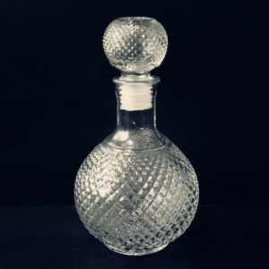 White Glass Wine Jar Bottle pictures & photos
