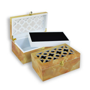 Piano Finish Lacquer Jewelry Wooden Box pictures & photos