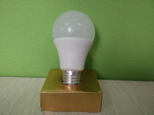 12W E27 6500k LED Light Bulb with Ce RoHS Approval pictures & photos