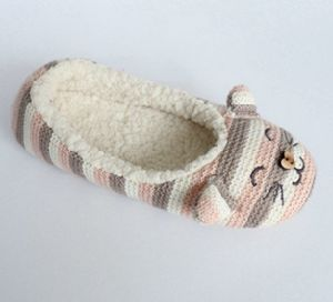 Indoor Slippers for Woman′s with Kint and Embroidery