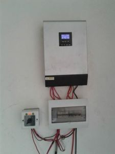 Price of Solar off on Hybrid Inverter 3kw 5kw pictures & photos