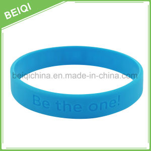 Personalized High Quality Debossed Logo Silicon Wristband pictures & photos