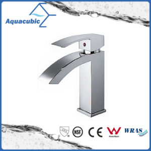 Fashionable Single Handle Basin Faucet/Mixer/Tap (AF9170-6) pictures & photos