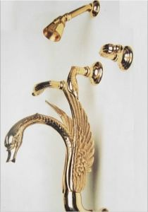 China Gold Pvd Finish Swan Bathtub Shower Faucet With Shower Head