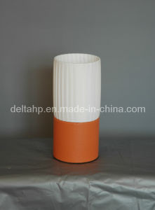 E14 Round Mini Table Lamp with Round Wooden Base (C5003021) pictures & photos
