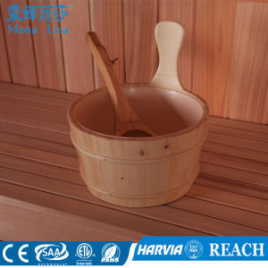 Luxury Portable Customized Size Cedar Wooden Sauna Room (M-6040) pictures & photos