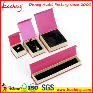 Luxury Handmade Custom Logo Printed Paper Jewelry Gift Box, Ring Box, Necklace Box pictures & photos