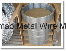 Hot Dipped Galvanized Bto-22 450, 600, 700, 900, 960mm Concertina Razor Barbed Wire pictures & photos