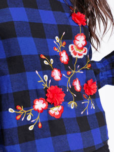 Botanical Embroidery Frill Cuff Gingham Blouse pictures & photos