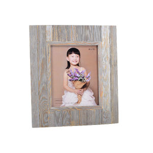 Wooden Picture Frame in Antique Style pictures & photos