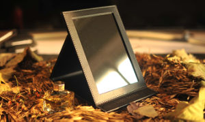 Beauty Portable Makeup Mirrors Desktop Brand Mirror pictures & photos