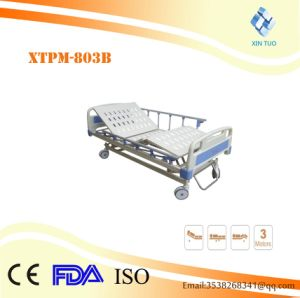 Superior Quality Electric Three-Function Medical Care Bed pictures & photos