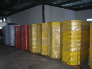 2mtr Plastic Road Barrier (S-1644B) pictures & photos