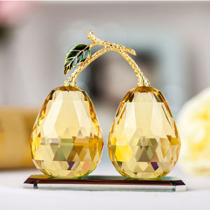 Elegant Golden K9 Crystal Glass Pear Craft for Decoration pictures & photos