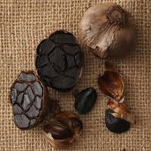 Chinese Whole Cloves of Black Garlic for High Quality pictures & photos
