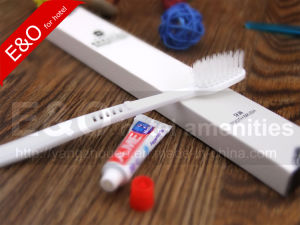 Hotel Amenities Set Dental Kit with Cardboard Box pictures & photos