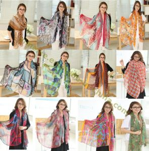 Ladies Fashion Voile Scarf Multi Printed Designs pictures & photos