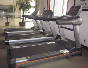 Ce Certificated Commercial Treadmill (SK-800T) pictures & photos