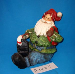 Christmas Decorative Resin Santa Claus pictures & photos