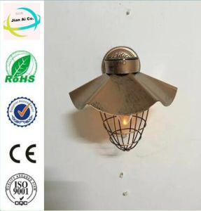 Metal Solar Power Light for Graden and Wall Decoration