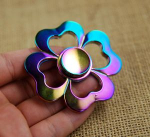 Beautiful Flower Hand Spinner as Christmas Gift (WY-HS14) pictures & photos