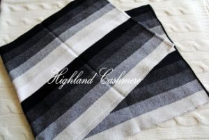Cashmere Knitted Scarf with Intarsia Vertical Stripes pictures & photos