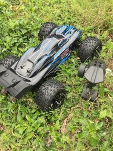 Jlb 1/10th RTR RC Monster Truck with Blue Body pictures & photos