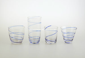 Glass Cup with Blue Glass Swirl (B-013-016) pictures & photos