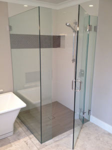 Frameless Clear Glass Shower Door/Glass Shower Door pictures & photos