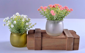Artificial Various Spring Flowers in Glass Vase for Home/Office/Hotel Decoration