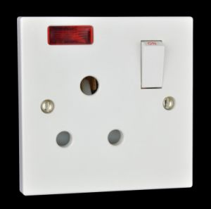 15A Single Switched Socket (Y431)