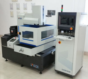 0.005mm Precision Accuracy Processing Wire Cut EDM Machine for Metal Cut Fr400 pictures & photos