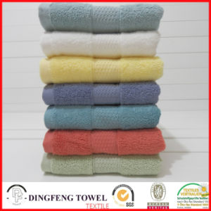 2016 Hot Sales 100% Organic Cotton Thick Jacquard Bath Towel with Satin Border Df-S365 pictures & photos