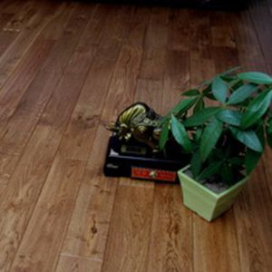 China Oak Solid Hardwood Flooring Oak Solid Hardwood Flooring
