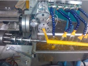 PVC Spiral Reinforced Pipe/Helix Suction Hose Production/Extrusion Line pictures & photos