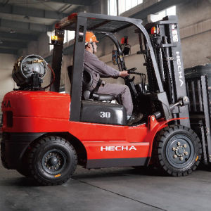 3 Ton LPG&Gasoline Forklift Truck for Japan Nissan Engine pictures & photos