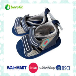 Boy′s Sandals with EVA Sole and PU Upper, Cool Design pictures & photos