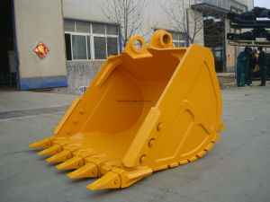 Komastu PC210 Excavator Standard Bucket with Teeth pictures & photos
