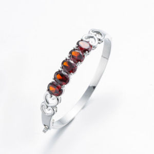 Romantic Love Shope Silver Ruby Bangle pictures & photos