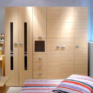 China Hot Sale Bedroom Furniture Modern Wardrobe Design Wooden